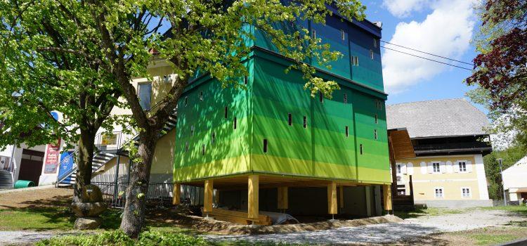 INTERREG: Zeugfärberei nun mit Färbeturm